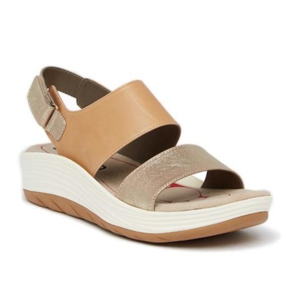 4111266c6231 NWT Bionica Yolanda Wedge Platform Sandals